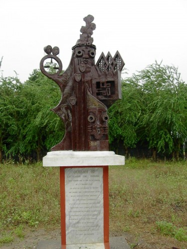 monument a Ouidha